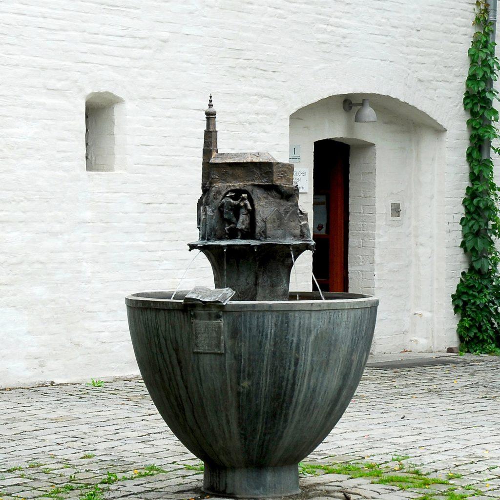 Benno-Hubensteiner-Brunnen 2001