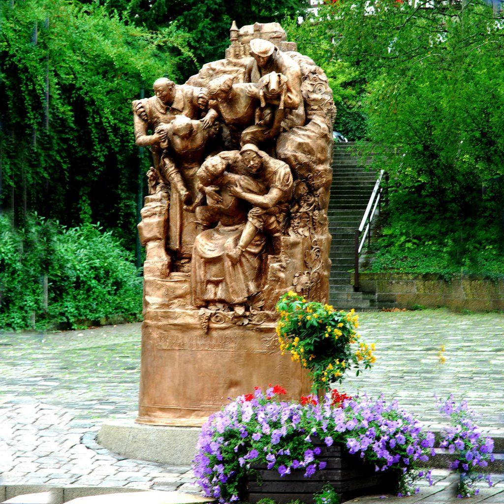 Weibertreu Brunnen 1993